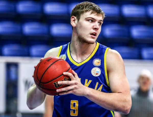 Илья Карпенков: Комфортно играть и на позиции центрового, и на позиции тяжелого форварда
